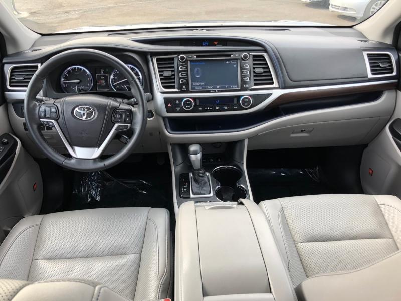 Toyota Highlander 2014 price $19,999
