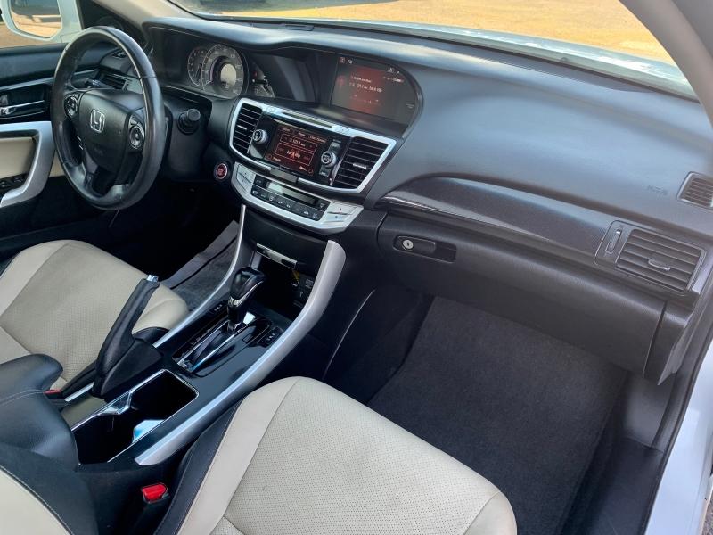 Honda Accord Cpe 2013 price $13,999