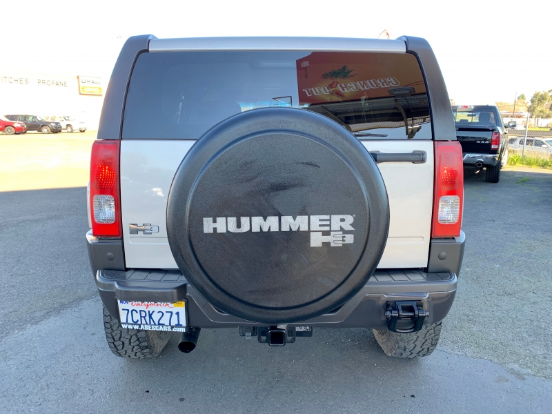 Hummer H3 2006 price $8,999