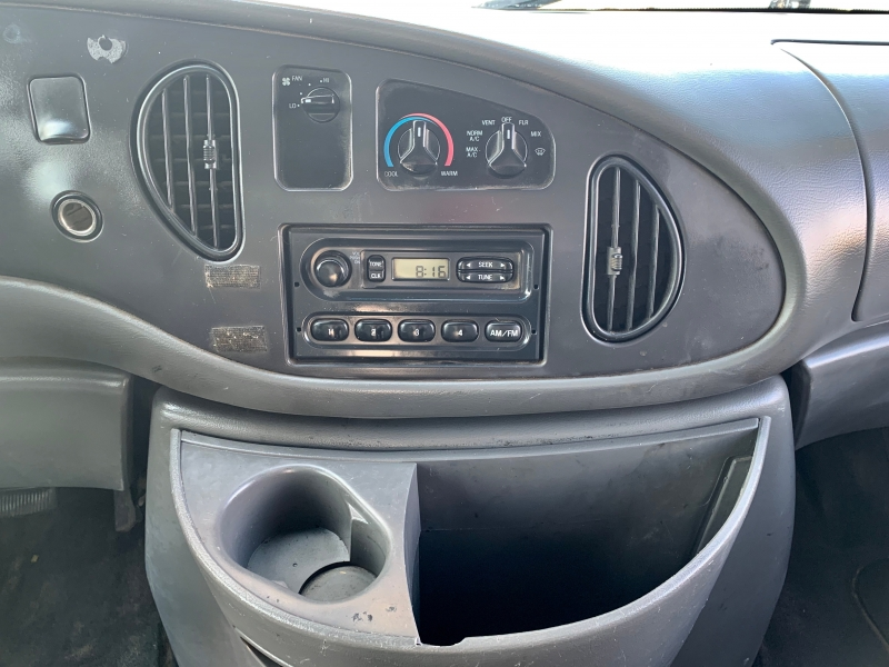 Ford Econoline Commercial Cutaway 2005 price $9,999