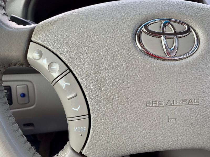 Toyota Sienna 2007 price $7,999