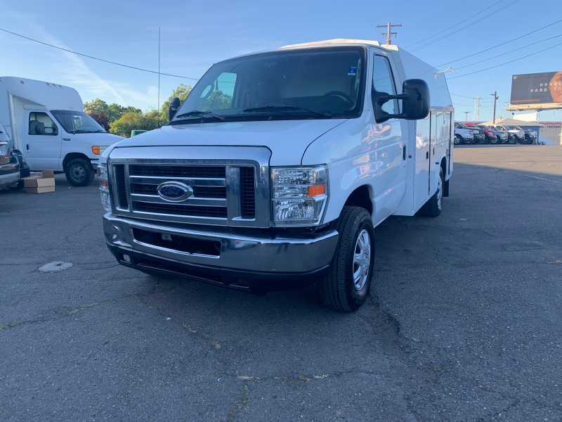 Ford Econoline Commercial Cutaway 2013 price $17,500