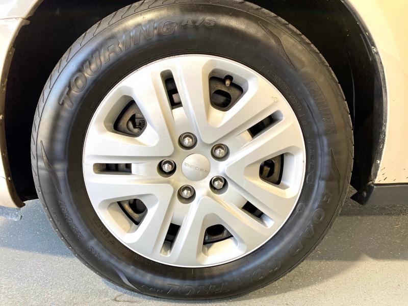 Dodge Grand Caravan 2014 price $15,500