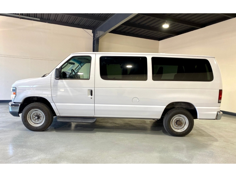 Ford Econoline Wagon 2008 price $8,999