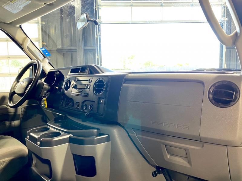Ford Econoline Wagon 2011 price $12,500