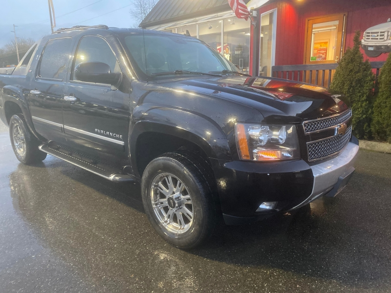 Chevrolet Avalanche 2010 price $13,995