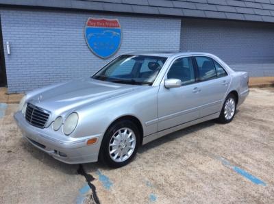 Mercedes-Benz E320 2001