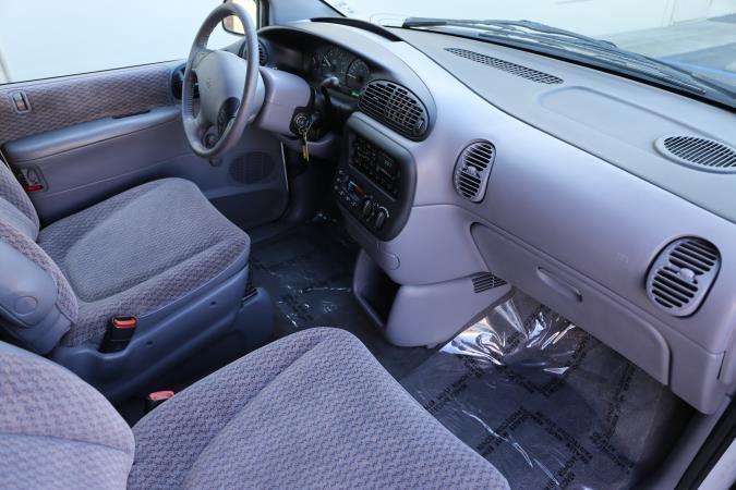 DODGE CARAVAN 1998 price $3,995