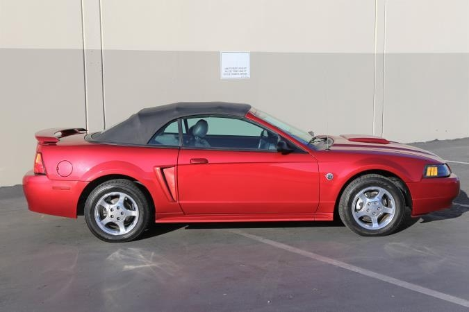 FORD MUSTANG 2004 price $6,999