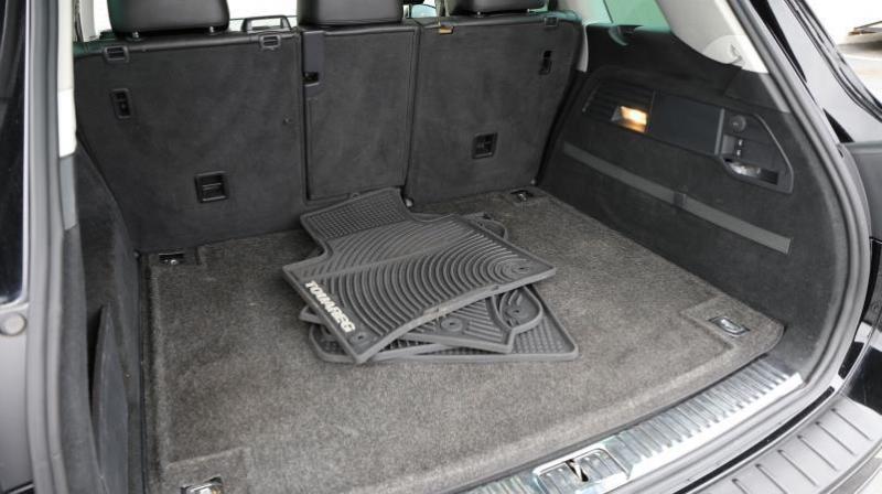 VOLKSWAGEN TOUAREG 2011 price $14,995