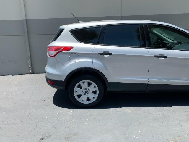 Ford Escape 2015 price $9,900