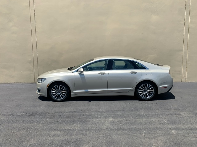 Lincoln MKZ 2017 price $14,900
