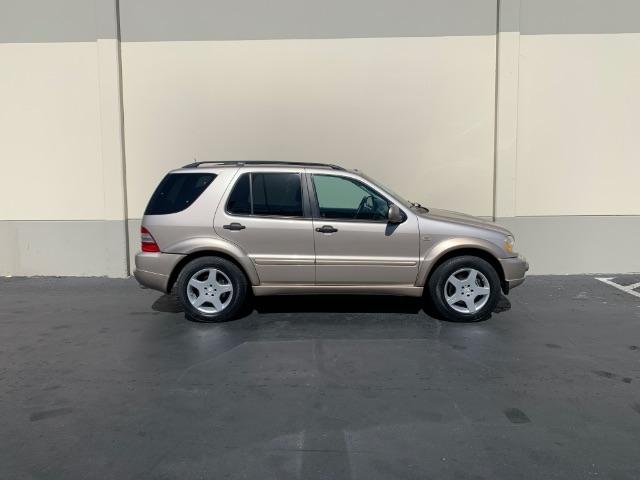 Mercedes-Benz M-Class 2001 price $8,900