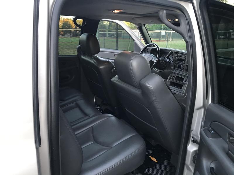 Chevrolet Avalanche 2004 price $7,495