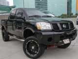 Nissan lifted titan 2005