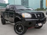 Nissan lifted titan 2005