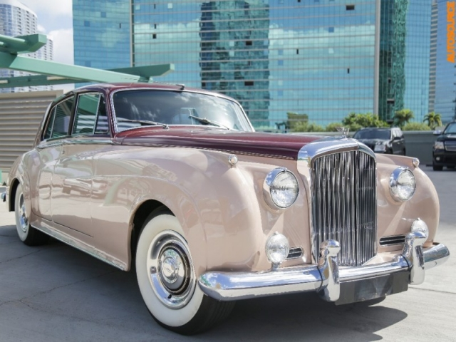 Bentley S1 Autosource Automobile Dealership Located On The