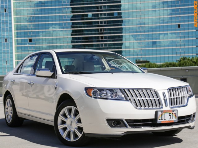 2012 Lincoln MKZ (Ultra Low 8K Mileage)