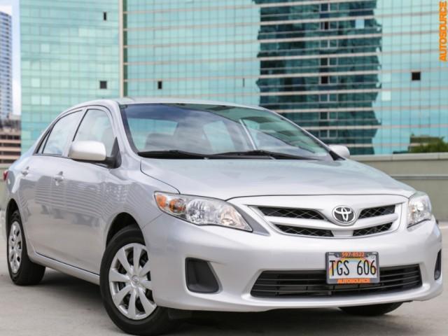 2013 Toyota Corolla (Manual)