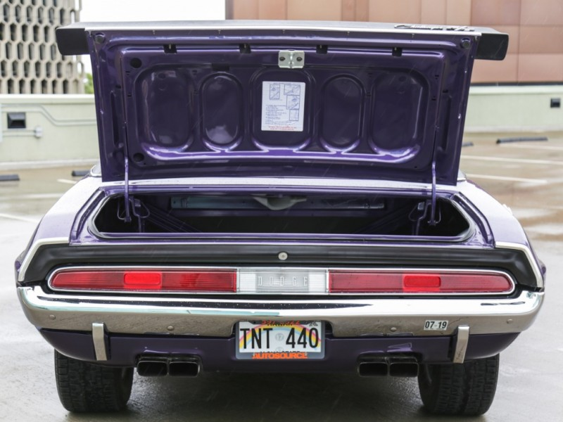 Dodge Challenger R/T 440 Six Pack 1970 price $59,995