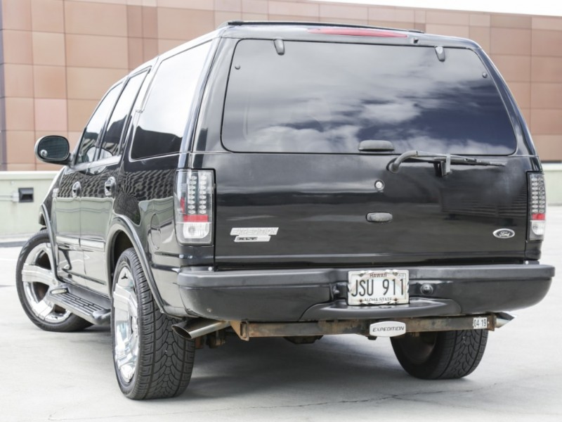 Ford Expedition XLT 2001 price $2,995