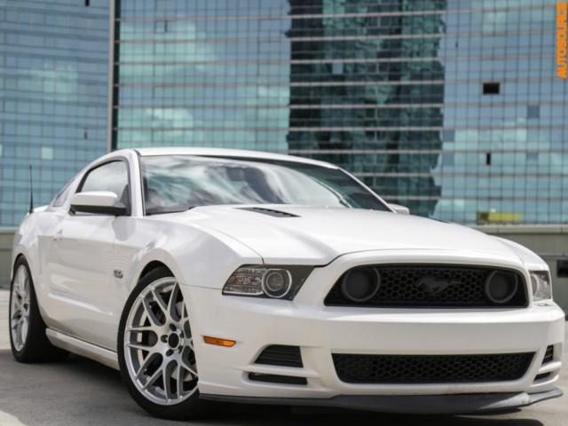 2013 Ford Mustang GT Premium Package (Manual)