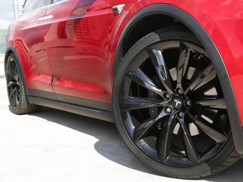 Tesla Model X 75D AWD 2016 price $69,995