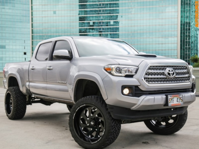 2016 Toyota Tacoma Lifted 6 inch