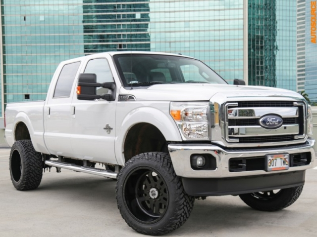 2014 Ford F250 4WD Lifted 6 inch DIESEL