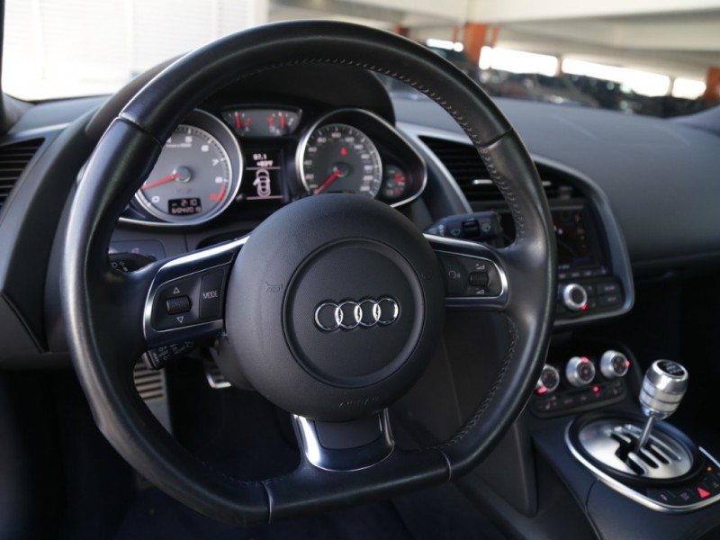 Audi R8 Quattro (Manual) 2010 price $89,995