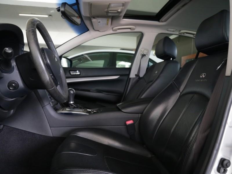 Infiniti G37 Journey 2012 price $16,995