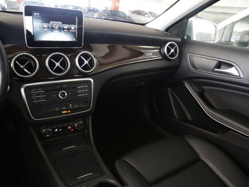 Mercedes-Benz GLA250 2016 price $26,995