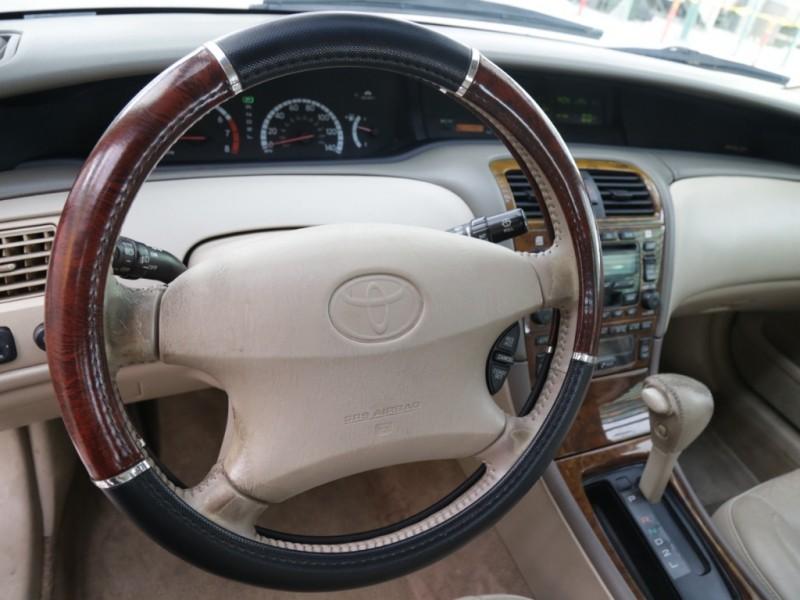 Toyota Avalon XL 2000 price $4,995