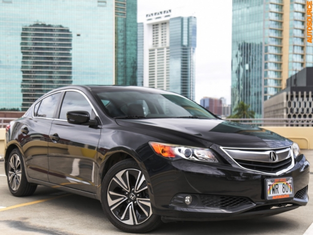 2013 Acura ILX with Tech Package
