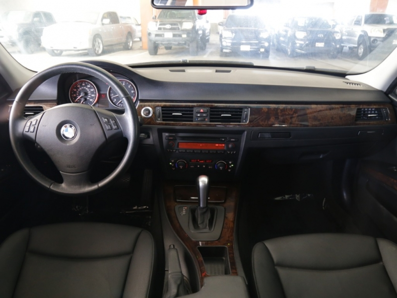 BMW 325i 2006 price $9,995