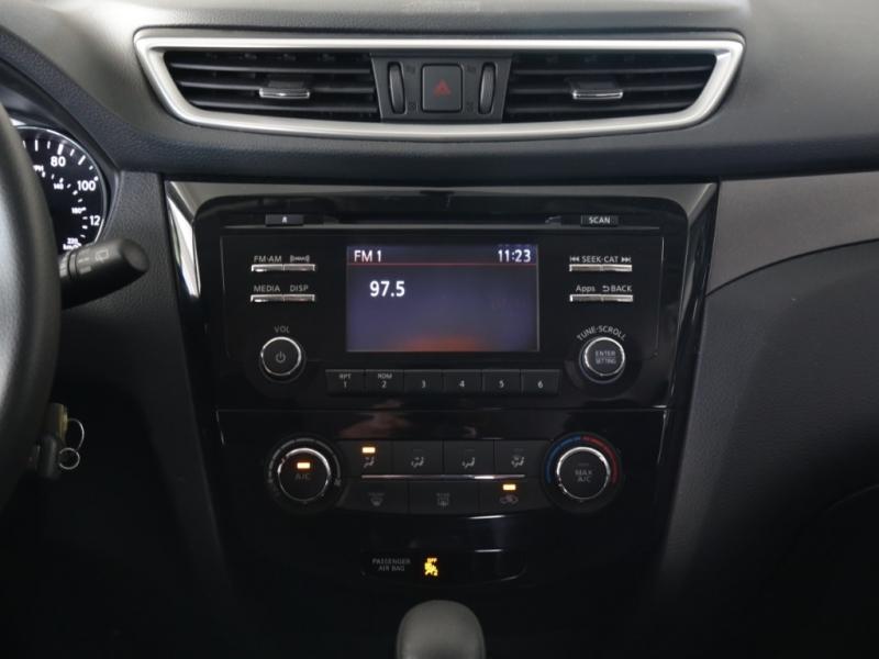 Nissan Rogue 2016 price $16,995