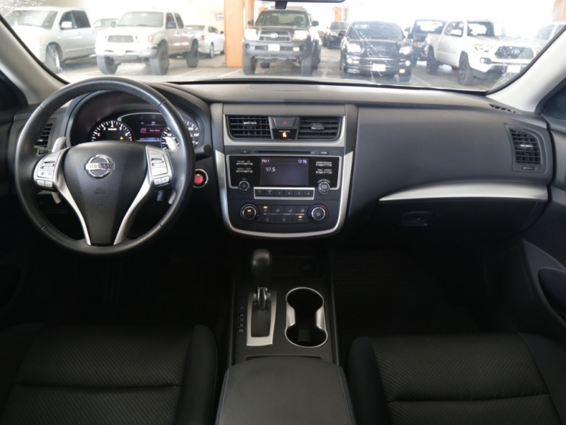 Nissan Altima SR 2016 price $17,995
