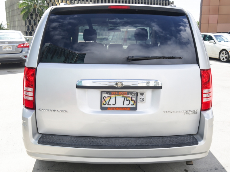 Chrysler Town & Country Touring 2010 price $9,995