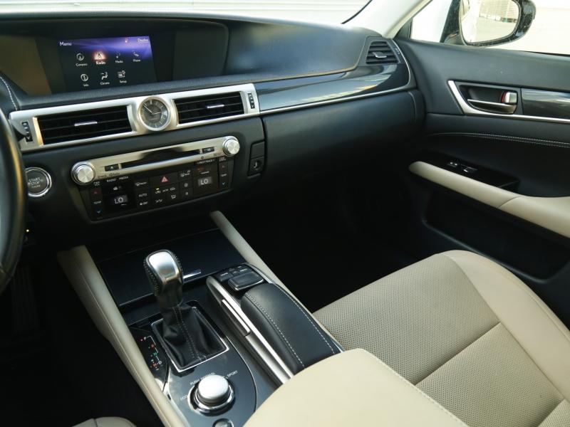 Lexus GS200t 2016 price $34,995
