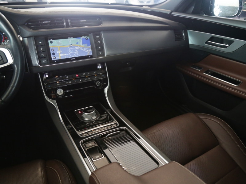 Jaguar XF 35t R-Sport 2016 price $34,995