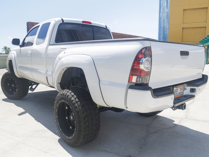 Toyota Tacoma LIFTED 6IN EXT CAB 2011 price $23,995