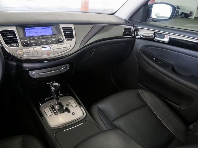 Hyundai Genesis 3.8 2013 price $19,995