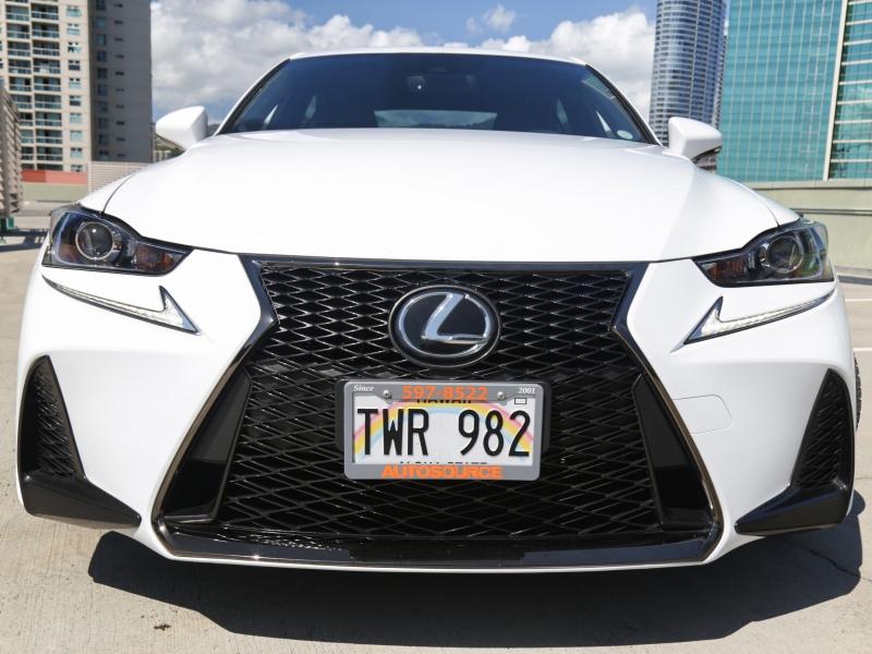 Lexus IS200t F-Sport 2017 price $29,995