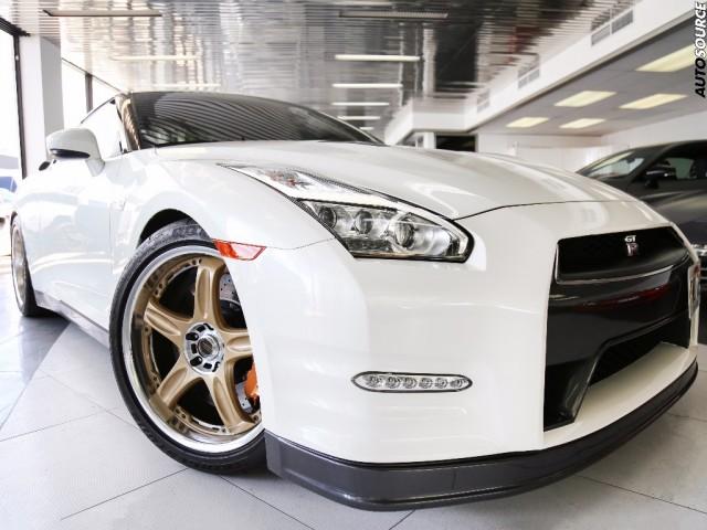2015 Nissan GTR black edition