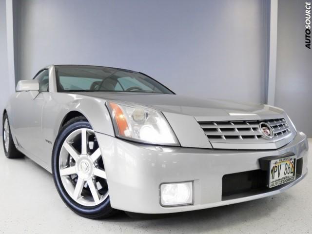 2005 Cadillac XLR hardtop Convertible