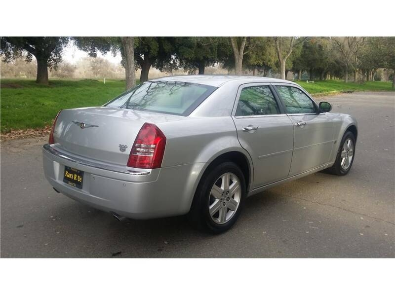 Chrysler 300 2006 price $9,999