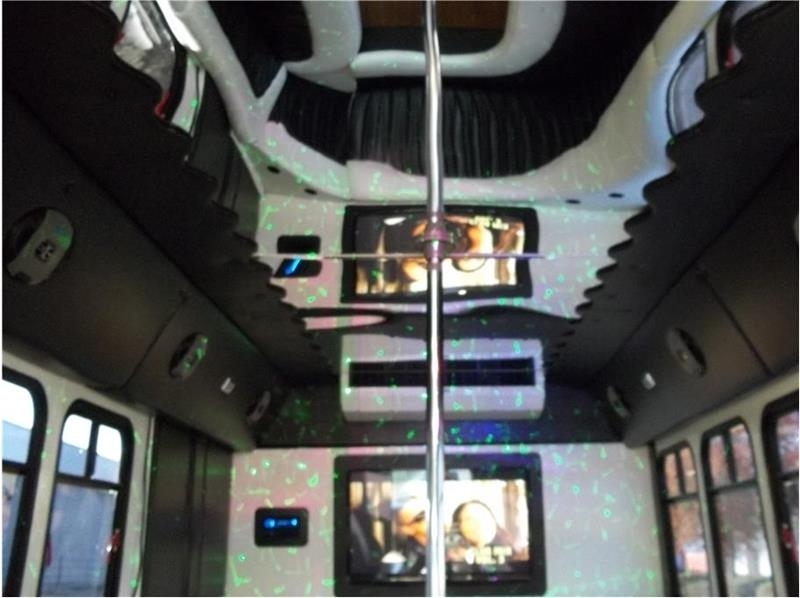 Ford PARTY BUS 2000 price $19,999