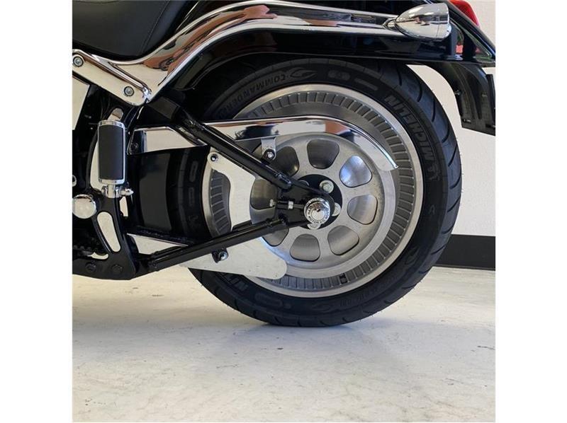Harley Davidson FXSTD Softail Deuce 2002 price $7,999