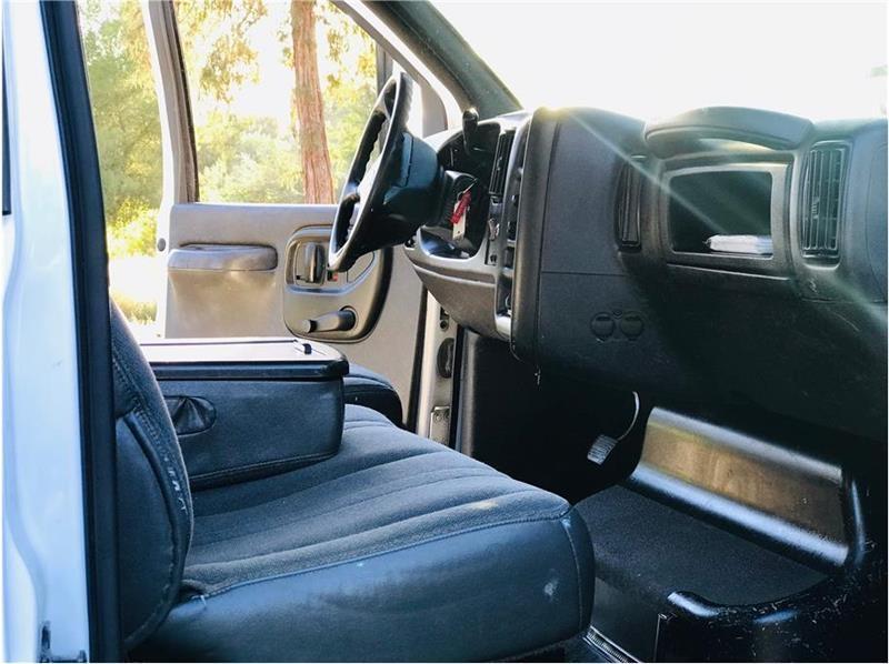 Chevrolet C4500 2003 price $16,999