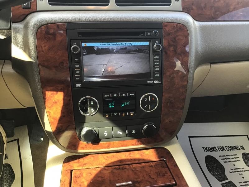 Chevrolet Suburban 2011 price $2,500 Down
